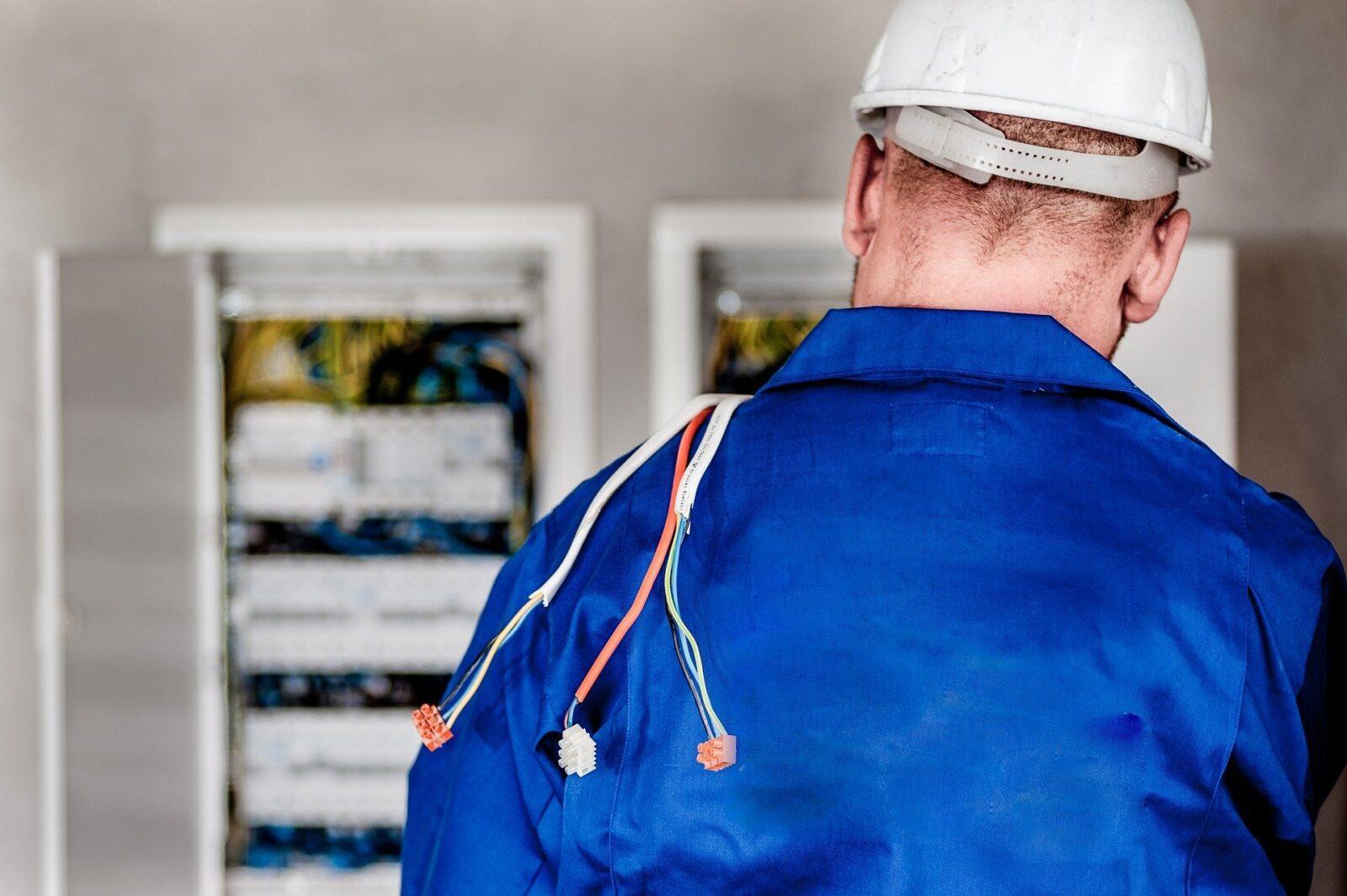 Kurs SEP G1 – jak zdobyć uprawnienia elektryczne?