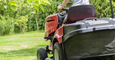 Jaki traktorek do koszenia trawy kupić